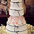 Wedding-cake-penguin-topper