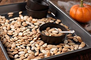 Roasted-Pumpkin-Seeds-615