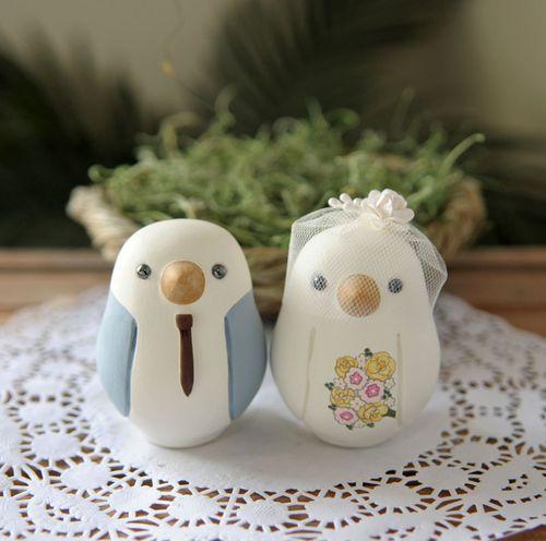 Wedding Cake Toppers: Love bird wedding cake topper